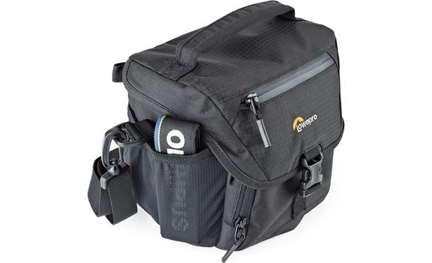 Lowepro Nova 140 AW II Side pouches for small accessories or a water bottle