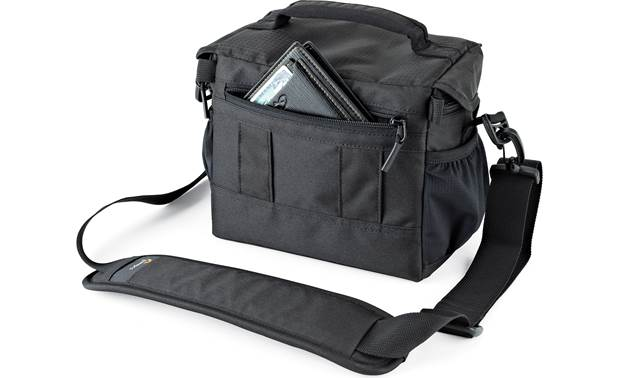 Lowepro Nova 160 AW II Zippered rear compartment for extra storage