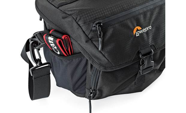 Lowepro Nova 180 AW II Side pouches hold small accessories or water bottles