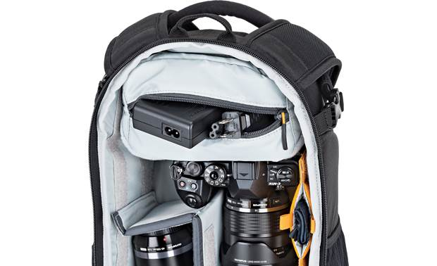 Lowepro Flipside 200 AW II Includes removable padded accessory pouch