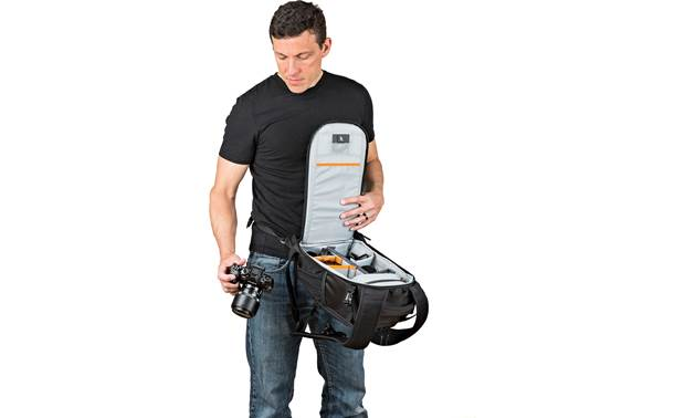Lowepro Flipside 200 AW II Waist belt provides extra security