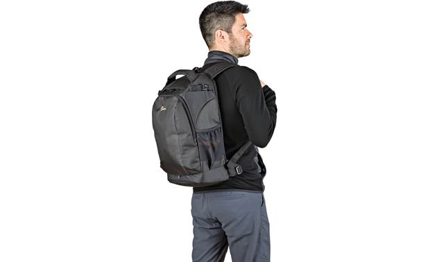 Lowepro Flipside 300 AW II Keep camera gear safe in a comfortable backpack