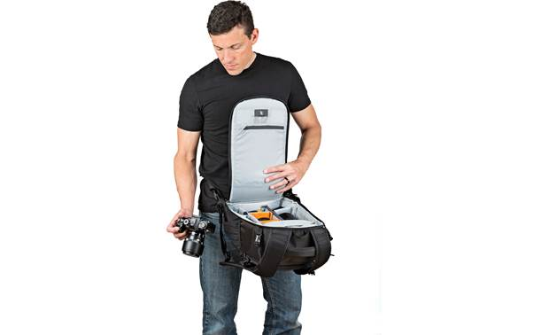 Lowepro Flipside 300 AW II Waist belt provides extra security