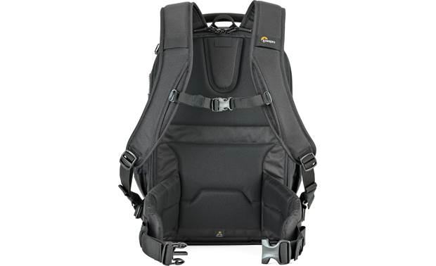 Lowepro Flipside 400 AW II Chest closure for added security