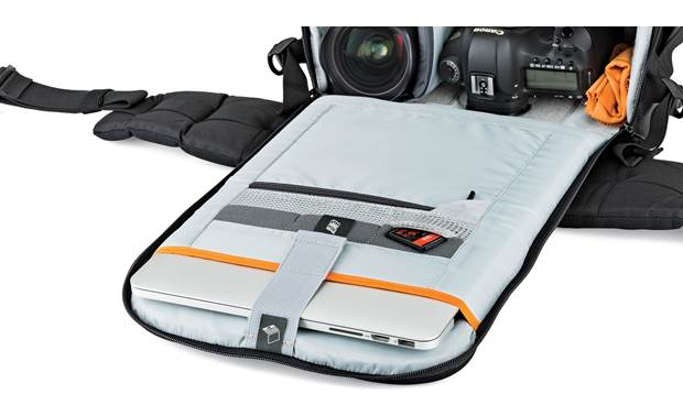 Lowepro Flipside 400 AW II Front flap compartment holds laptops up to 15