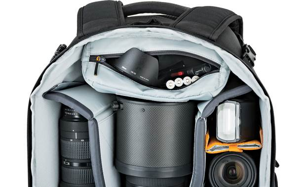 Lowepro Flipside 500 AW II Includes removable padded accessory pouch