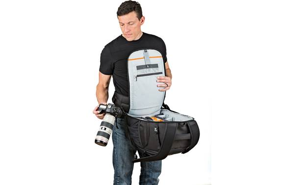 Lowepro Flipside 500 AW II Waist belt provides extra security