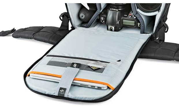 Lowepro Flipside 500 AW II Front flap compartment holds laptops up to 15