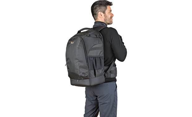 Lowepro Flipside 500 AW II Keep camera gear safe in a comfortable backpack
