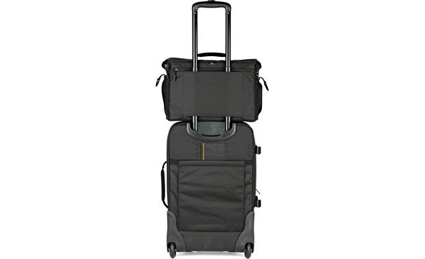 Lowepro Nova 200 AW II Attaches to your luggage