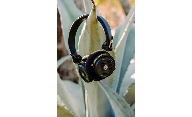 Grado GW100 Wireless Series Special open-back chamber designed to prevent sound from leaking out