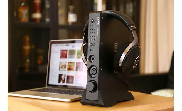Questyle Audio CMA400i DAC Can be positioned vertically or horizontally