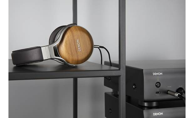 Denon AH-D9200 Sounds best when driven by high-performance headphone amp (sold separately)