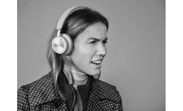 Bang & Olufsen Beoplay H8i Comfortable on-ear design