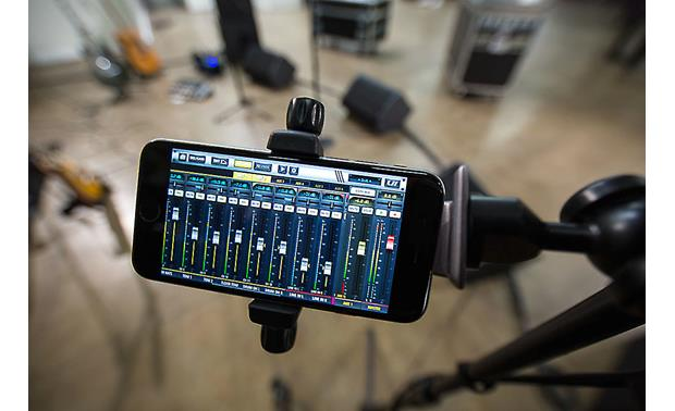 Soundcraft Ui24R control app on smartphone