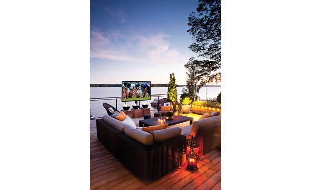 SunBriteTV® Pro Series Pro Series TVs can handle full sun exposure