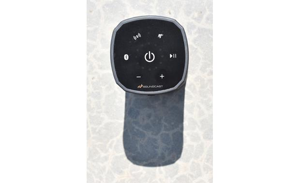 Soundcast VG3 Top-mounted control buttons