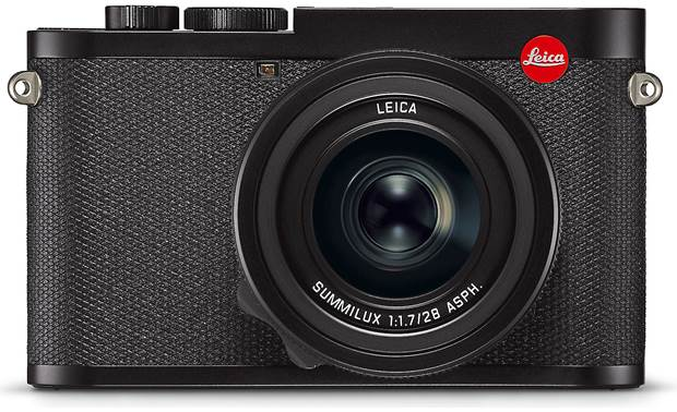 Leica Q2 Camera Front, straight-on