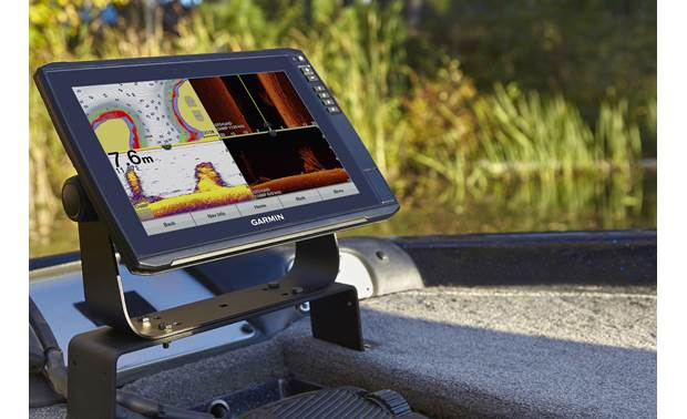 Garmin ECHOMAP Ultra 106sv Crystal-clear images on a big screen
