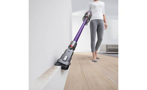 Dyson V11™ Animal The included combo tool in action