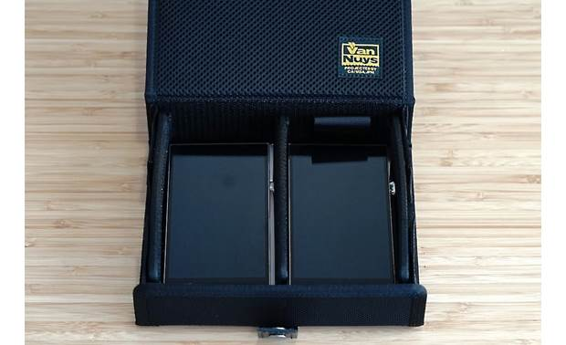 Astell&Kern Van Nuys 3-split Carrying Case Can store two Astell&Kern players (available separately)