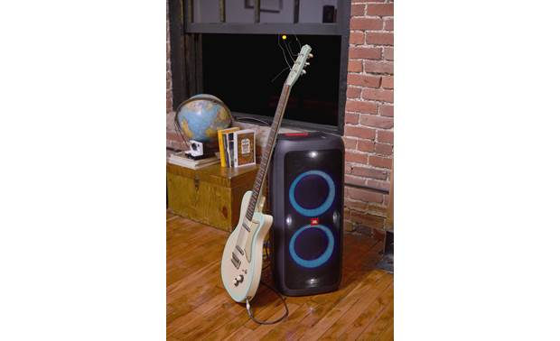 JBL PartyBox 200 Features a guitar input
