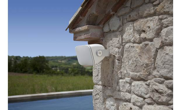 Bowers & Wilkins AM-1 Can be mounted horizontally under eaves
