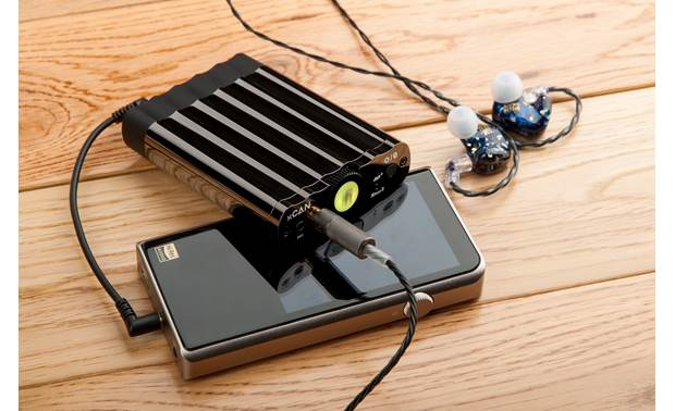 iFi Audio xCAN Balanced and unbalanced inputs for connecting your portable music player