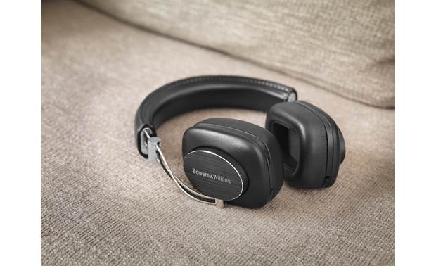 Bowers & Wilkins P7 Wireless Made from fine materials like aluminum and sheepskin leather