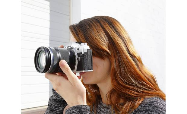 Olympus OM-D E-M5 Mark III Kit Use the Electronic viewfinder to frame your shots