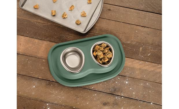 WeatherTech Double Low Pet Feeding System Ergonomically designed bowls allow your pet strain-free access to their food and water