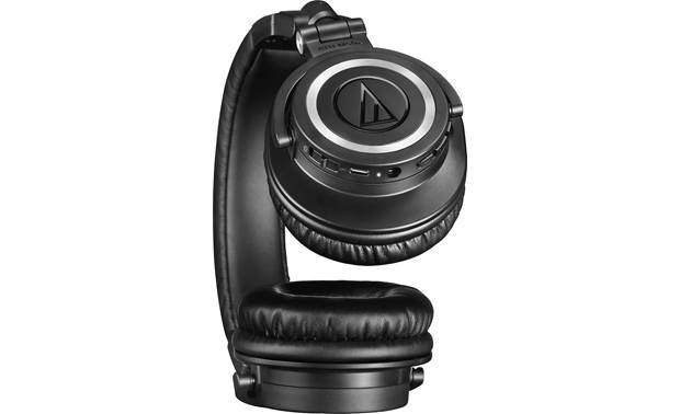 Audio-Technica ATH-M50xBT On-ear controls for music and calls