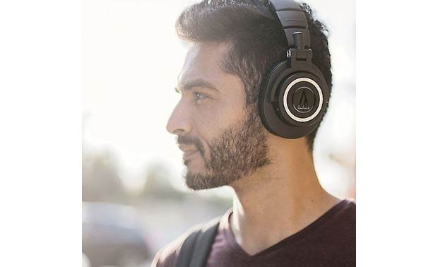 Audio-Technica ATH-M50xBT Top-notch sound on the go