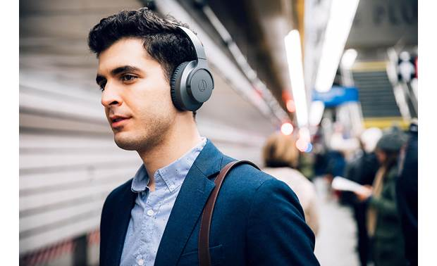 Audio-Technica ATH-ANC700BT QuietPoint® Active noise cancellation circuitry helps knock out the hustle and bustle