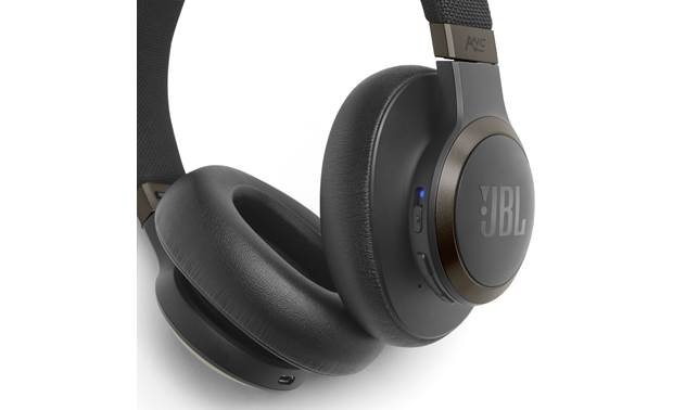 JBL Live 650BTNC Control buttons on right earcup