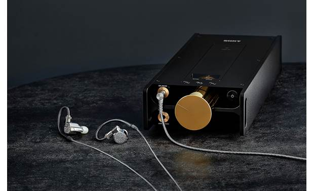 Sony DMP-Z1 Signature Series Balanced 4.4mm headphone output for use with premium Sony headphones (Sony IER-Z1R in-ears not included)