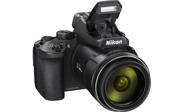 Nikon Coolpix P950 Built-in flash