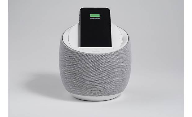 Belkin SOUNDFORM™ ELITE Hi-Fi Smart Speaker + Wireless Charger Charges compatible devices wirelessly (smartphone not included)
