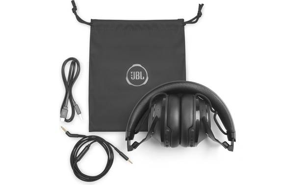 JBL Club 700BT Included pouch and accessories