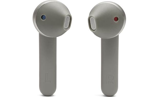 JBL Tune 220TWS Slim, lightweight design for comfortable in-ear fit