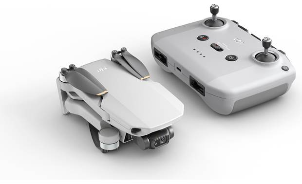 DJI Mini 2 Fly More Combo Includes remote controller