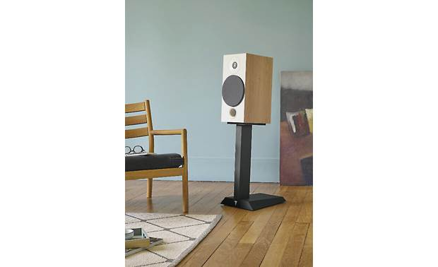 Focal Chora 806 Shown with optional matching stand (sold separately)