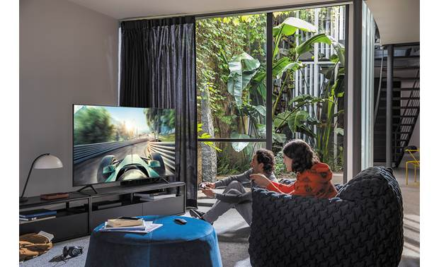 Samsung QN65Q80T Real Game Enhancer+ maximizes the gaming experience