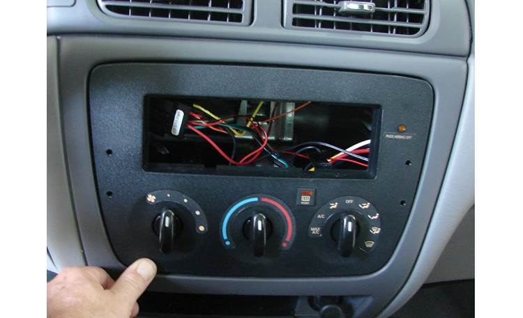 Metra 99-5717 Dash and Wiring Kit Dash kit installed