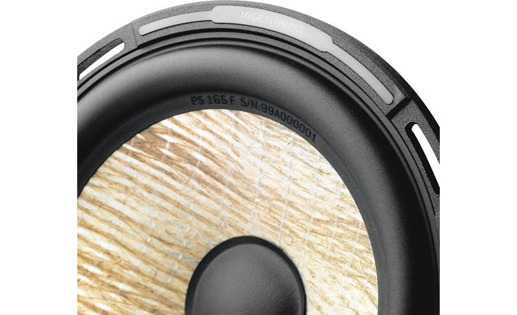 Focal Performance PS 165F Lightweight flax is woven and sandwiched between glass fiber membranes for an extremely rigid and lightweight cone