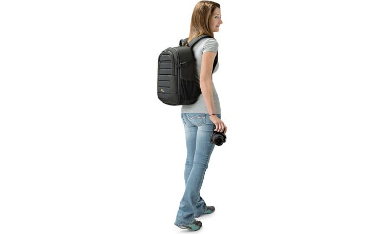 Lowepro Tahoe BP 150 Keep camera gear safe in a comfortable backpack