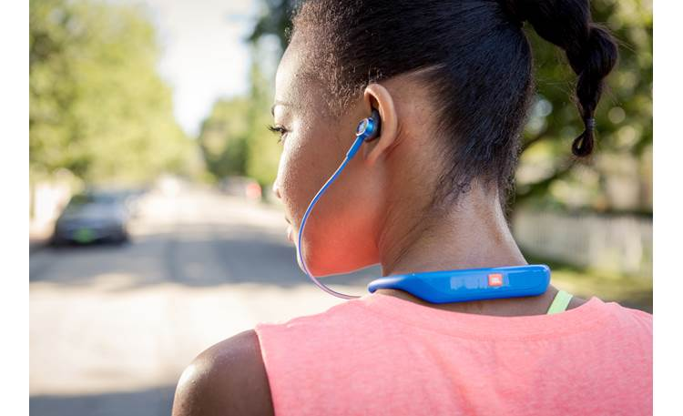 JBL Reflect Response Ergonomic neckband for a secure, comfortable fit