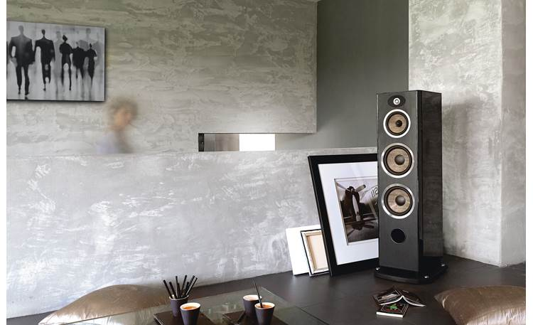 Focal Aria 948 Shown in room
