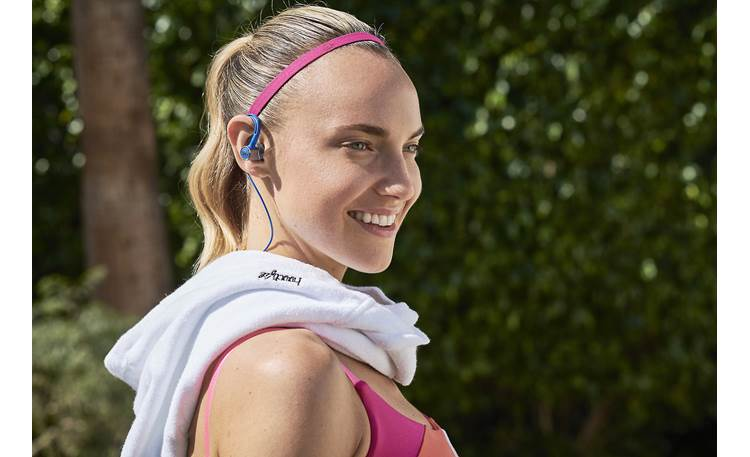JBL Reflect Contour 2 Wraparound ear hooks and silicone stabilizers help keep the earbuds in place