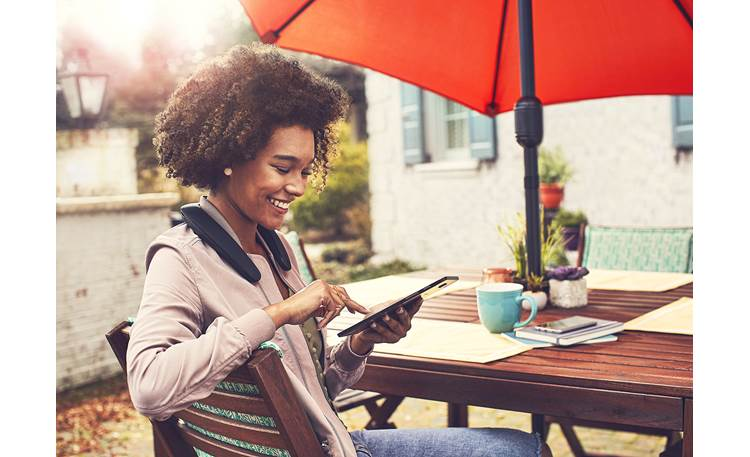 JBL Soundgear Play music or make calls wirelessly, and  to keep your hands and ears free.